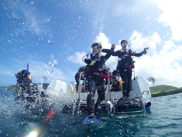 沖縄県石垣島PADIオープンウォーター海洋講習のジャイアントスライドエントリー2019年8月