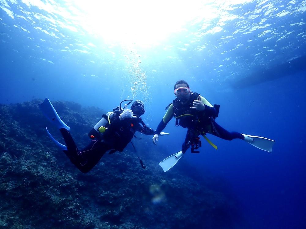 抜群の透明度での海洋講習
